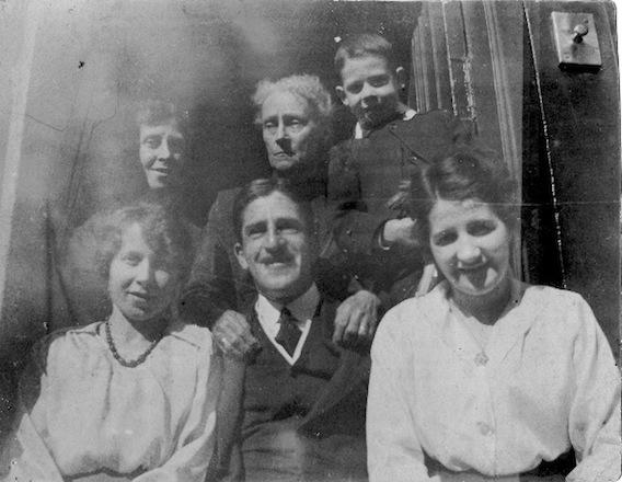 Hendersons 1920.jpeg